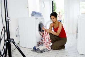 Что делать, если стиральная машинка скачет при отжиме