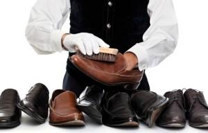 Чистим кожаную обувь от соли