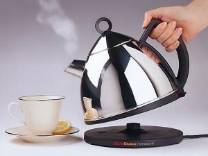 Как быстро очистить чайник от накипи