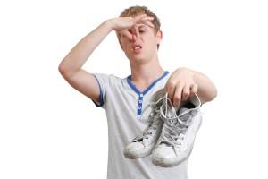 Воняет обувь - что делать?