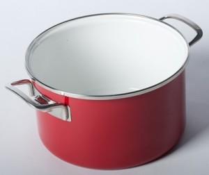 Чистим эмалированную посуду в домашних условиях