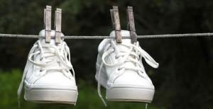 Стираем кроссовки вручную и в машинке