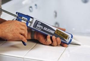 Отмываем силиконовый герметик с рук и кожи