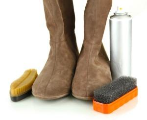 Как почистить замшевую обувь в домашних условиях. Видео 11