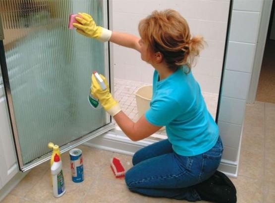 Как почистить душевую кабинку от налета в домашних условиях