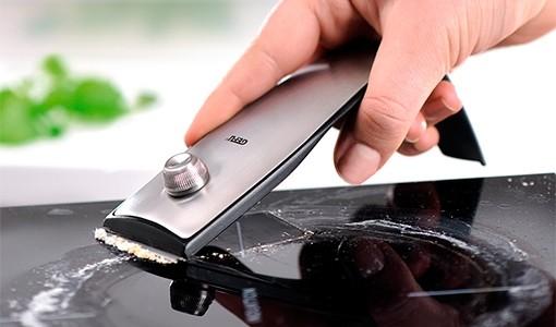 Как очистить электрическую плиту от нагара видео электро плита встраеваемая