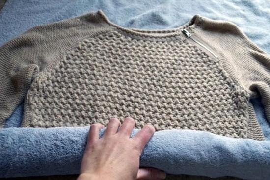 Как растянуть шерстяную платье